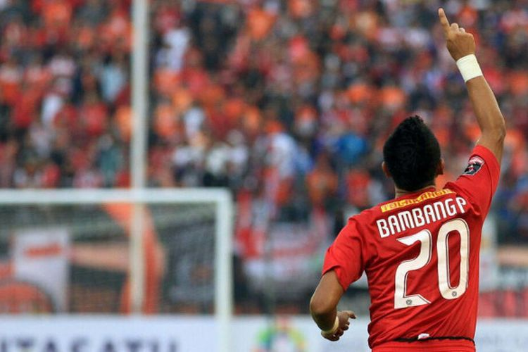Selebrasi penyerang Persija, Bambang Pamungkas seusai mencetak gol ke gawang Mitra Kukar pada laga 8 Besar Piala Presiden 2018 di Stadion Manahan, Kota Solo, Minggu (4/2/2018) sore.