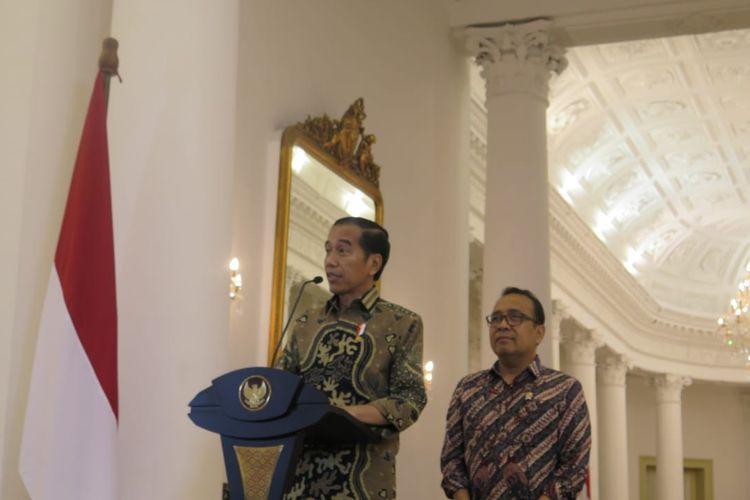 Presiden Jokowi dalam jumpa pers di Istana Bogor, Kamis (22/8/2019).
