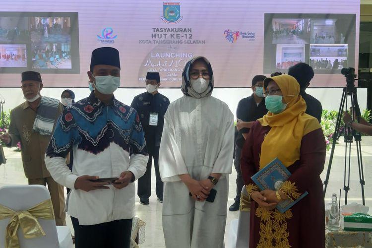 Wali Kota Tangerang Selatan Airin Rachmi Diany (Tengah) dalam perayaan HUT ke-12 Tangerang Selatan di Gedung Balai Kota, Rabu (25/11/2020)