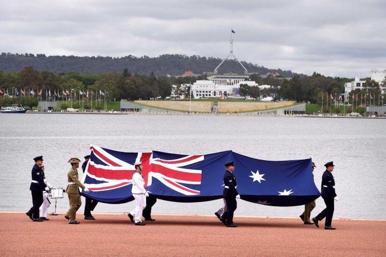 Nilai-nilai kehidupan di Australia menjadi pertanyaan dalam tes kewarganegaraan mulai tahun ini. (AAP: Wayne King)