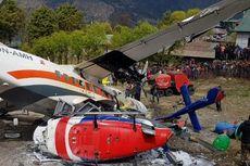 Pesawat Kecil Tabrak Dua Helikopter saat Lepas Landas, 3 Orang Tewas