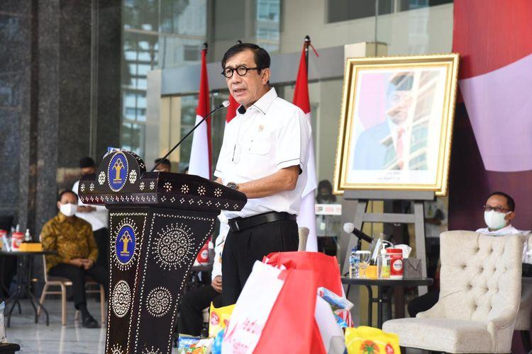 Menteri Hukum dan HAM Yasaonna Laoly dalam acara Kumham Peduli Kumham Berbagi di Kantor Kemenkumham, Kamis (29/7/2021).