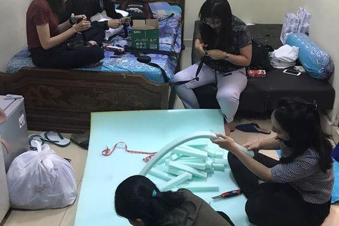 APD Langka, Dokter di Denpasar Buat Pelindung Wajah dari Spons dan Mika