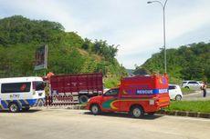 Urai Kemacetan di Tol Semarang-Bawen, Petugas Penyelamat Pun Turun Tangan