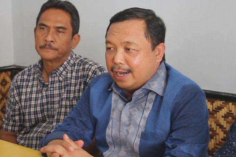 Herman Khaeron, Ketua DPP Partai Demokrat ditugaskan untuk mendalami kasus Nasrudin Azis, kader yang juga walikota yang mendukung Jokowi-Maruf, Minggu (20/1/2019). Hasil yang didapatkan Herman akan dijadikan bahan majelis pertimbangan pusat untuk bersikap dan memberikan keputusan.