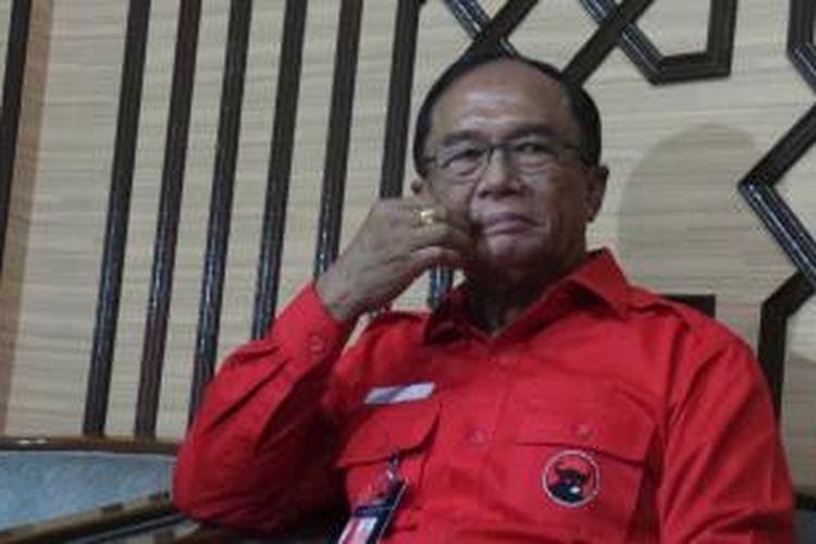 Politisi senior PDI Perjuangan Sidarto Danusubroto yang akhirnya ditunjuk sebagai Ketua Majelis Pemusyawaratan Rakyat (MPR) menggantikan almarhum Taufiq Kiemas.