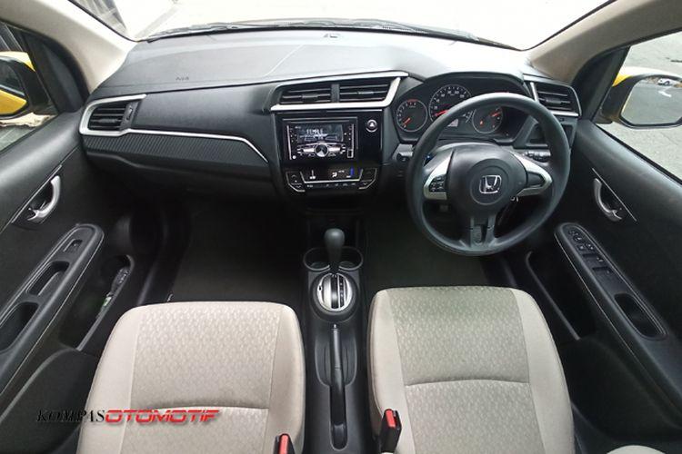 Interior Honda Brio Satya CVT
