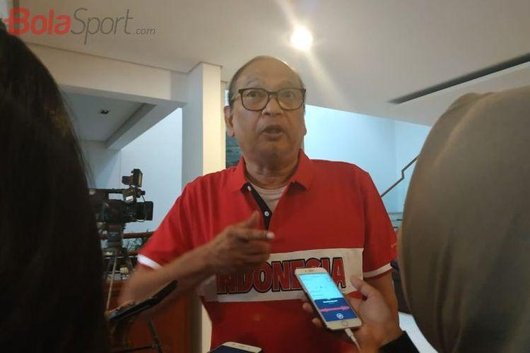 Rahim Soekasah menjawab pertanyaan wartawan di kediamannya di Jakarta Selatan, Senin (23/9/2019).
