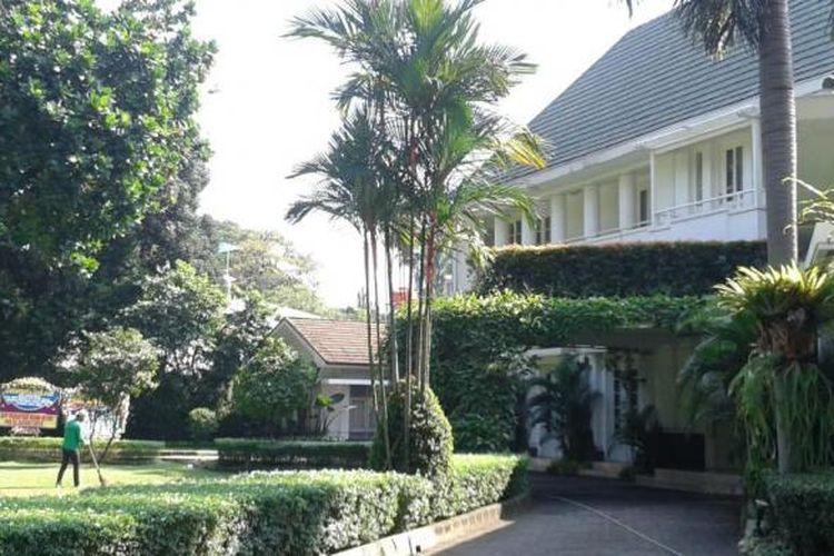 Rumah dinas Gubernur DKi Jakarta, JalanTaman Suropati No. 17, Menteng, Jakarta Pusat tampak sepi dan belum dihuni sejak dikosongkan Jokowi