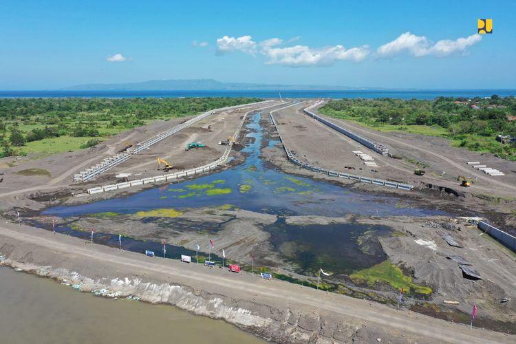 Kementrian PUPR tengah melakukan pembangunan sistem pengendali banjir Daerah Aliran Sungai (DAS) Tukad Unda, Kabupaten Klungkung, Bali.