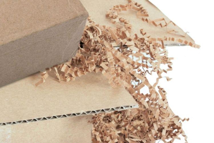 Ilustrasi paket belanja online. (Shutterstock)