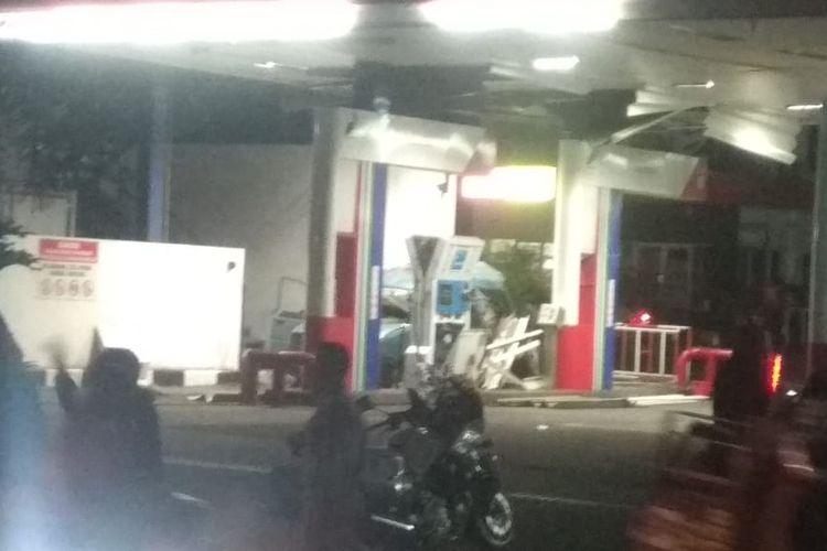 Ledakan terjadi di sebuah SPBU di Jalan Margonda Raya, Depok, pada Rabu (30/12/2020).