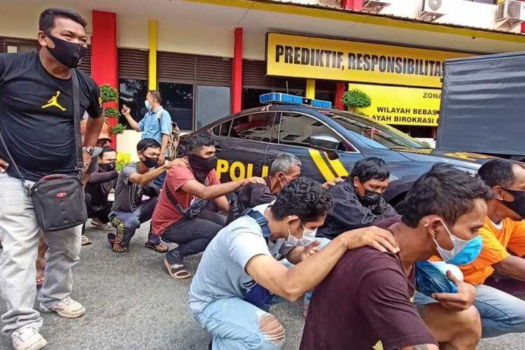 Puluhan juru parkir (Jukir) illegal yang ada di Batam, Kepulauan Riau (Kepri) diamankan polisi