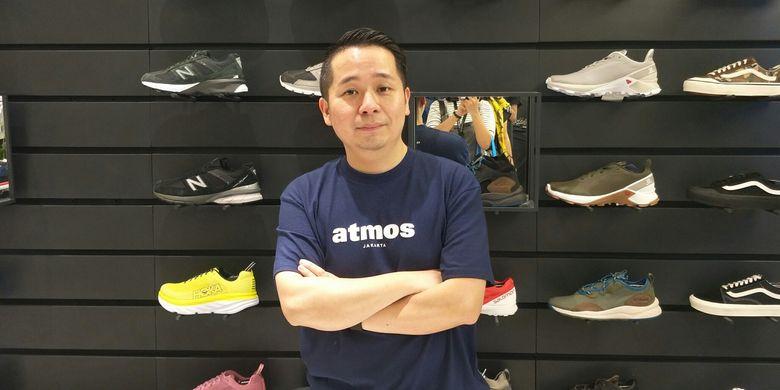 Hirofumi Kojima atau yang karib disapa Koji selaku creative director Atmos dalam pembukaan gerai Atmos Indonesia di Plaza Indonesia, Jakarta Pusat, Jumat (31/1/2019).