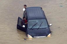 Mobil Terendam Banjir, Apa yang Harus Dilakukan agar Tak Rusak Parah?
