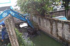 Antisipasi Banjir, Saluran Inlet dan Outlet di Waduk Sulirang Dikeruk