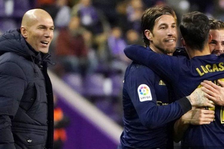 Zinedine Zidane dan Sergio Ramos pada laga Real Valladolid vs Real Madrid jornada ke-21 Liga Spanyol 2019-2020.