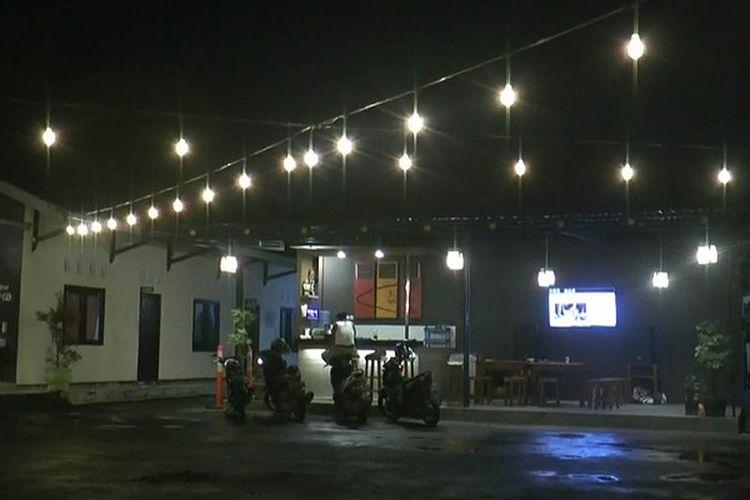 Suasana kafe kopi di Polsek Pekalongan Selatan Kota Pekalongan Jawa Tengah.