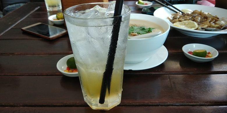 Minuman jeruk kunci di Bangka.