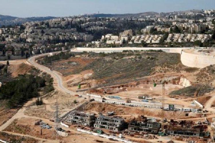 Pandangan ini menunjukkan pemukiman Israel di Ramot, Tepi Barat, wilayah yang diduduki Israel. Foto dokumentasi ini diambil pada Minggu, 22 Januari 2017.