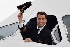 John Travolta Sumbangkan Pesawat Kesayangannya untuk Museum Australia