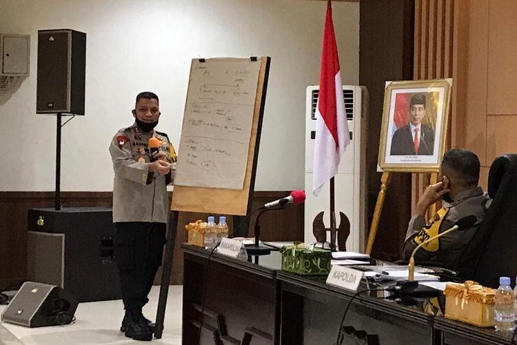 Kapolda Maluku, Irjen Pol Baharudin Djafar memberikan pemaparan terkait Analisa dan evaluasi  kesiapan pelaksanaan Hari Bhayangkara Ke-74 yang  berlangsung di ruang rupatama, Mapolda Maluku Senin, (22/6/2020).