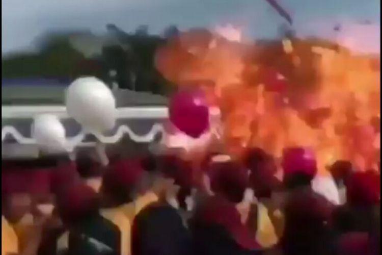 Sejumlah balon berisi gas helium meletus di Universitas Muhammadiyah Malang (UMM) dan melukai 15 mahasiswa, Sabtu (7/10/2017)
