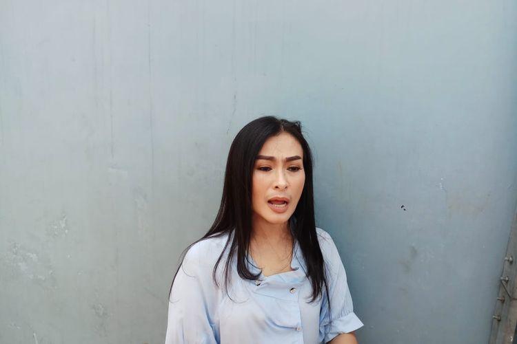 Pedangdut Iis Dahlia saat ditemui di kawasan Tendean, Jakarta Selatan, Selasa (17/12/2019).