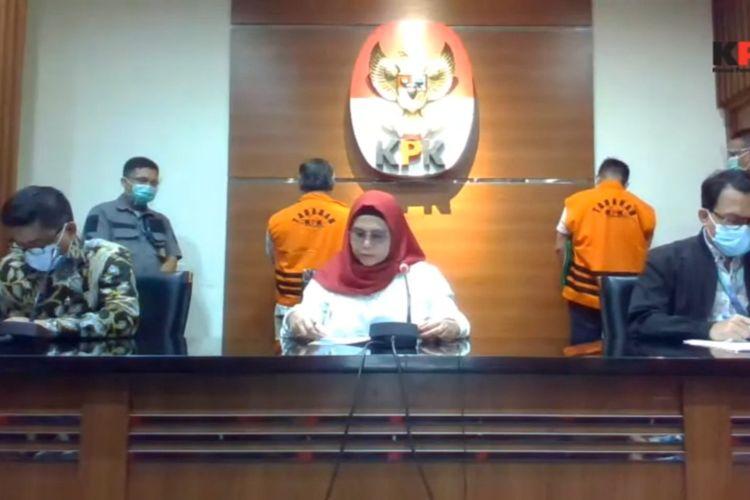 Konferensi pers penetapan Bupati Labuhanbatu Utara Khairuddin Syah Sitorus dan mantan Wakil Bendahara Umum PPP Puji Suhartoni sebagai tersangka, Selasa (10/11/2020).