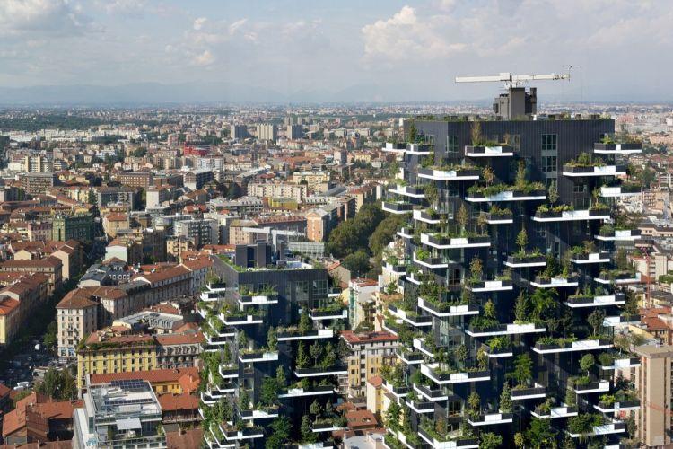 Berdiri setinggi 112 dan 80 meter, gedung ini memiliki 480 tanaman berukuran besar dan sedang, serta 300 tanaman berukuran kecil.