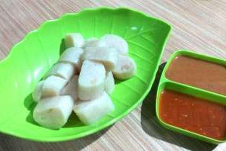 Kerupuk basah atau bahasa setempat disebut 'temet' merupakan salah satu kuliner andalan dari Kabupaten Kapuas Hulu, Kalimantan Barat, yang tersohor Rabu (5/10/2016).