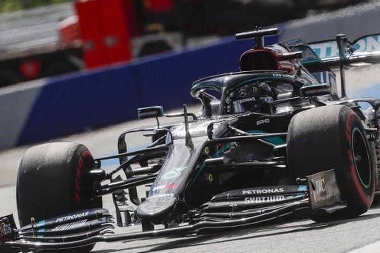Pebalap Mercedes, Lewis Hamilton, berhasil menjuarai balapan F1 GP Styria yang digelar di Sirkuit Red Bull Ring, Spielberg, Austria pada Minggu (12/7/2020).