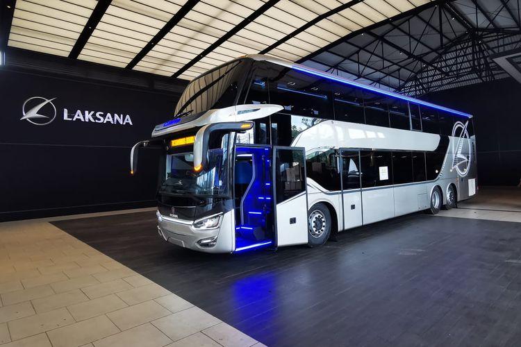 Bus tingkat Laksana yang diekspor ke Bangladesh