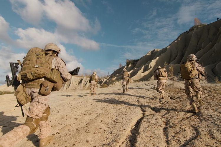 Sekelompok tentara AS dalam sebuah operasi di gurun pasir.