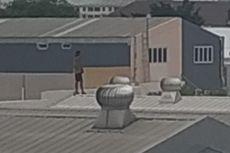 Petugas Damkar Gagalkan Percobaan Bunuh Diri Pria dari Atap Gedung di Cakung