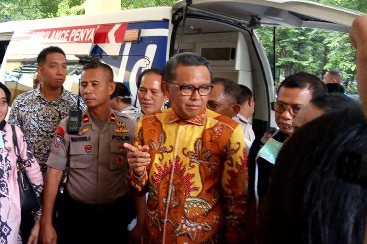 Gubernur Sulawesi Selatan Nurdin Abdullah saat mendatangi RSUP Dr. Wahidin Sudirohusodo Makassar, Kamis (5/3/2020).