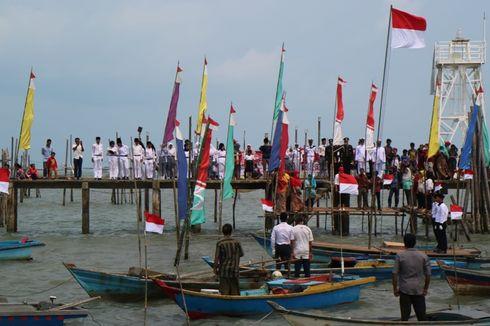 Di Atas Laut, Nelayan Kampung Melayu Gelar Upacara HUT Kemerdekaan RI Ke-74