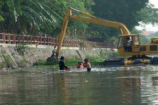 Di Balik Banjir Surabaya, Ada Ratusan Petugas Berjasa Atasi Banjir dalam Hitungan Jam