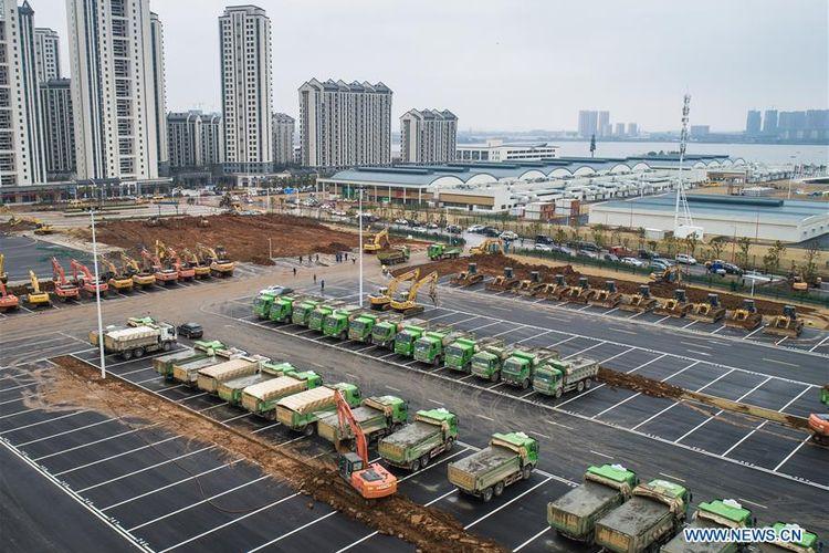 Penampakan konstruksi Rumah Sakit Khusus Pasien Corona di Wuhan, China.
