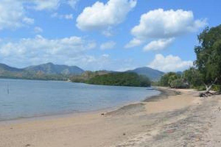 Kotajogo, pantai berpasir putih di Kabupaten Nagekeo, Pulau Flores, Nusa Tenggara Timur.