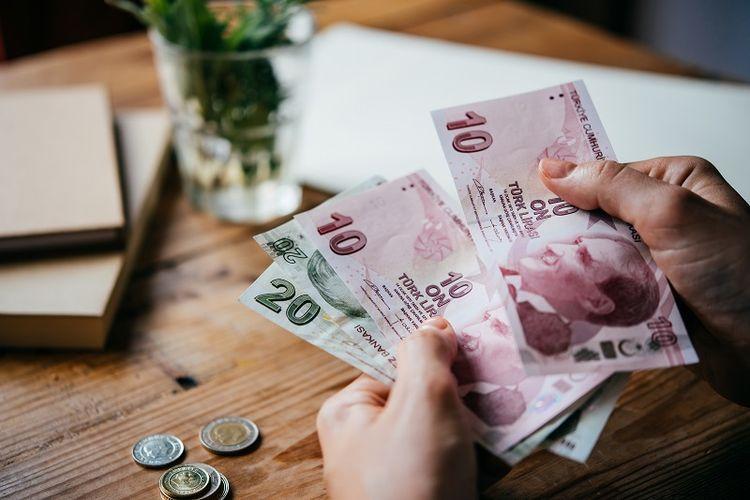 Mata uang lira Turki.