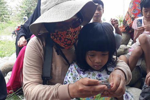 Iba dengan Anak di Pengungsian Banjir Bandang Masamba, Ifanta Rela Jadi Pemotong Kuku