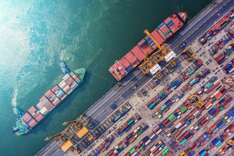 Ilustrasi. Perdagangan Internasional dan Manajemen Operasi