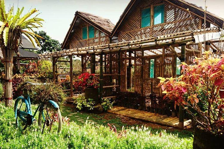 Saung Manglid, Purwakarta