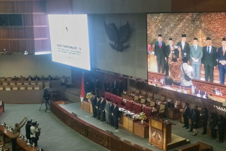 Dewan Perwakilan Rakyat (DPR) menetapkan Wahiddudin Adams dan Aswanto sebagai calon hakim Mahkamah Konstitusi (MK) periode 2019-2024.  Keputusan penetapan dilaksanakan dalam Rapat Paripurna ke-14 masa sidang IV di Gedung Nusantara II, Kompleks Parlemen, Senayan, Jakarta, Selasa (19/3/2019).