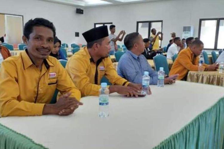 Rusli Sosal (36) Anggota DPRD Kabupaten Seram Bagian Barat, Maluku Terpilih saat mengikuti rapat pleno terbuka penetapan jumlah kursi dan calon terpilih anggota DPRD di Piru, Rabu (13/8/2019) FOto Rusli Sosal