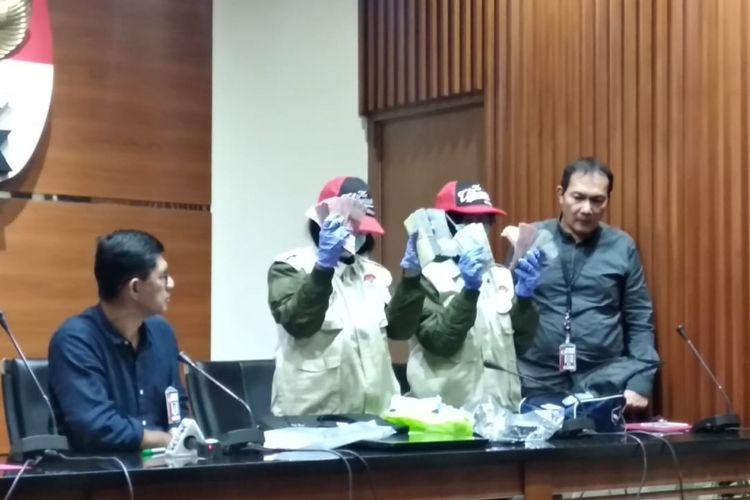 KPK menggelar jumpa pers terkait OTT Kalapas Sukamiskin, di Gedung KPK, Jakarta, Sabtu (21/7/2018).