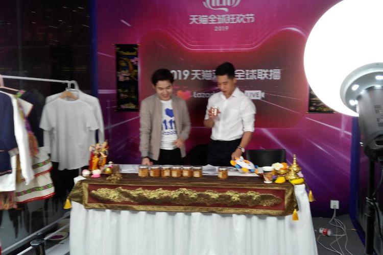Lazada, platform market place yang terafiliasi dengan Alibaba Group membuka ruangan live streaming di Alibaba Xixi Campus, Hangzhou, selama 11.11 Global Shopping Festival 2019.