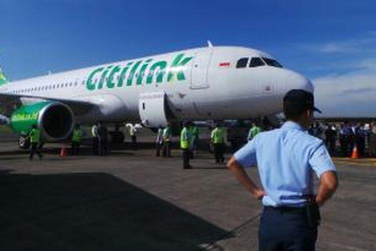 Pesawat Citilink tujuan Malang, Jawa Timur, sedang dipersiapkan untuk penerbangan perdana dari Bandara Halim Perdanakusuma, Jakarta Timur, Jumat (10/1/2014) pagi.