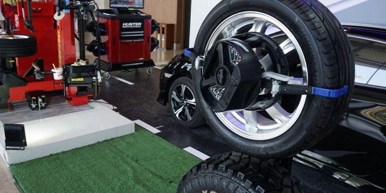 Teknologi Buat Cek Kondisi Mobil Perlu Spooring Balancing